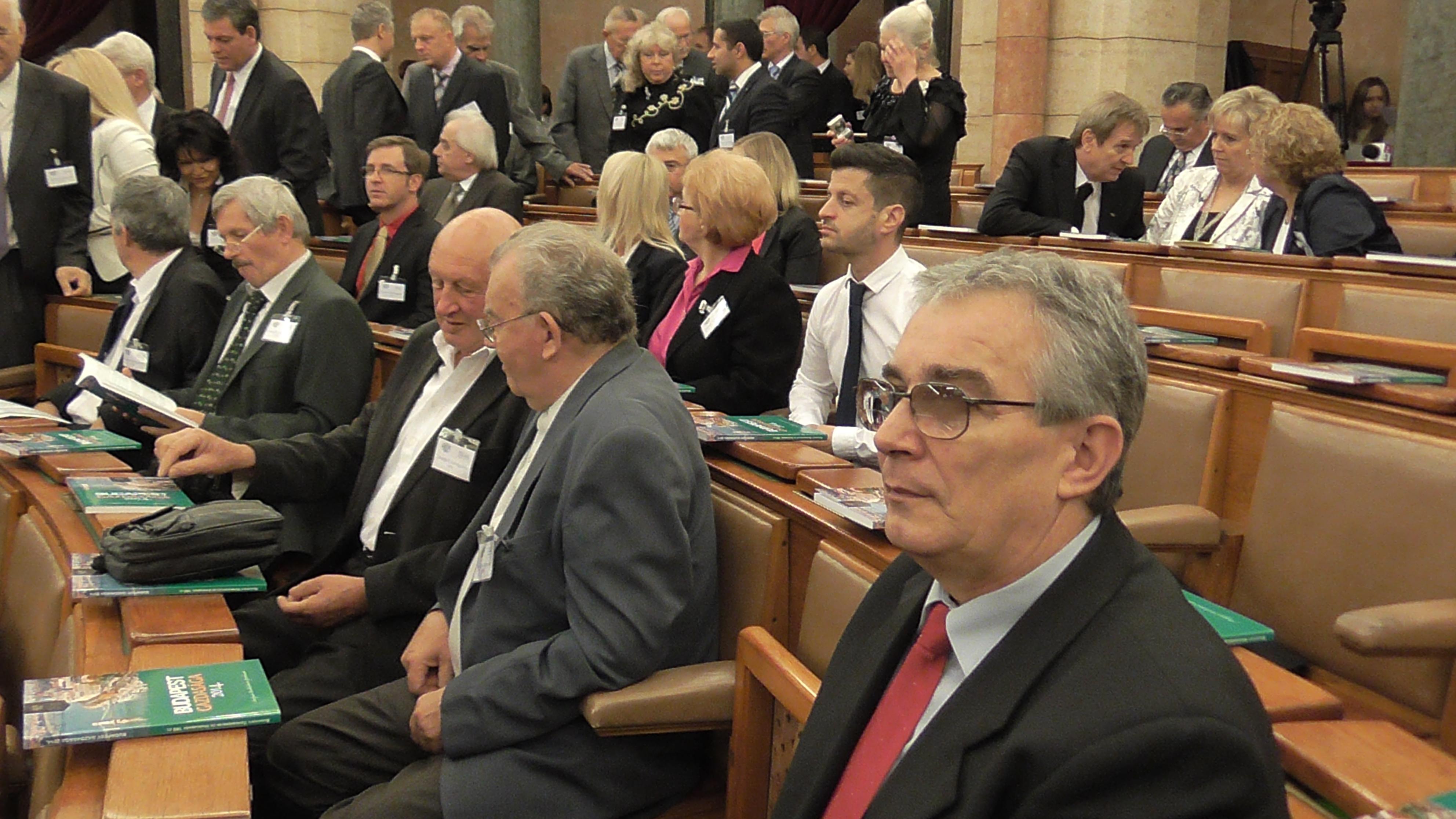 parlament4